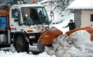 Chasse-neige sur le domaine de Gourette où une avalanche s'est déclenchée le 1er février 2015