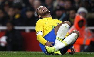 Neymar s'est blessé contre le Cameroun
