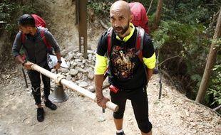Mehdi (à droite) a participé à «Pékin Express» pour aider sa sœur atteinte d'un cancer.