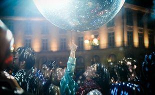 La place du Bouffay sera habillée de boules à facettes à partir de 22h.