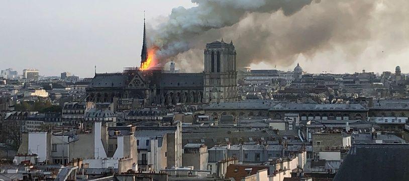 Notre-Dame dans les flammes le 15 avril 2019. Stéphanie ROGER / AFP.