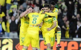 L'équipe de Nantes célèbre sa montée en Ligue 1 le 17 mai 2013.