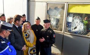 Le ministre de l'Intérieur Christophe Castaner s'est déplacé sur le péage de Virsac (Gironde), haut-lieu de la contestation des «gilets jaunes»