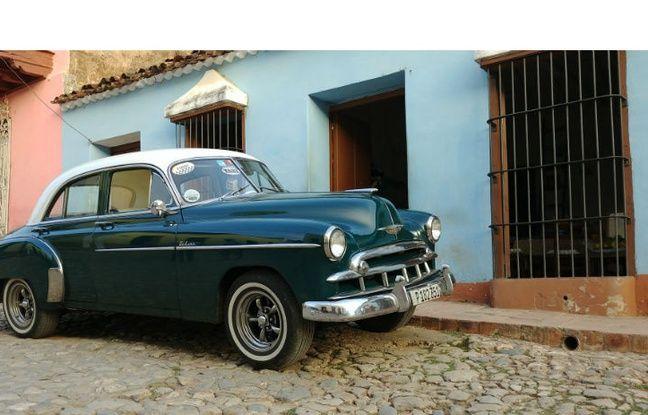 Dans les rues de Trinidad, à Cuba (format standard).