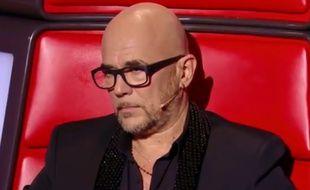 Pascal Obispo ému aux larmes par une reprise de chanson «Lucie» dans «The Voice»