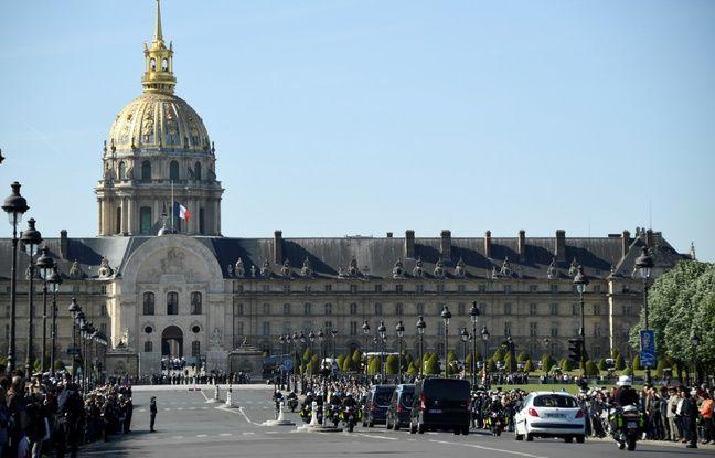 Hommage aux soldats tués au Burkina EN DIRECT: Emmanuel Macron vient d'arriver aux Invalides pour présider l'hommage national...