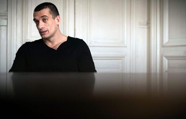 L'artiste russe Pyotr Pavlensky le 14 février 2020. (Photo by Lionel BONAVENTURE / AFP)