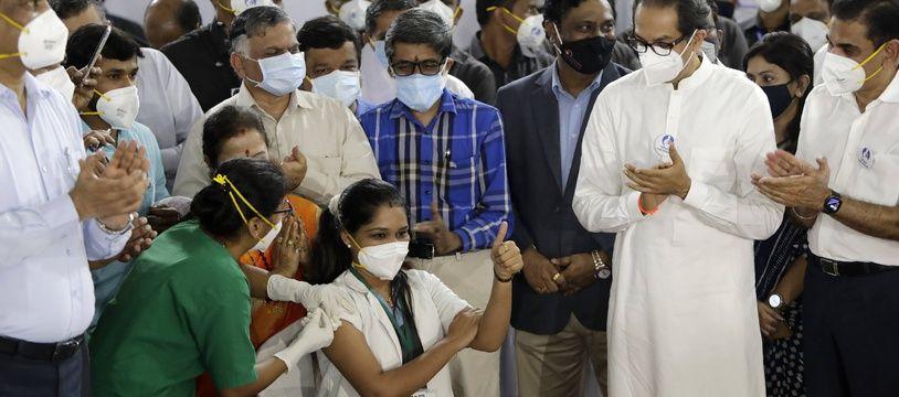 La campagne de vaccination contre le Covid-19 en Inde, ici à Bombay.