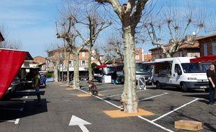 Le marché de Fronton, en Haute-Garonne, en version réduite pour cause de confinement, le 19 mars 2020.