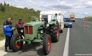 Tracteurs et caravanes ont été stoppés dans leur folle éppée par les motards de la gendarmerie nationale
