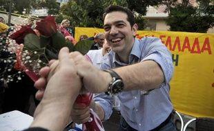 """Le chef de la gauche radicale grecque du Syriza, Alexis Tsipras, a affirmé vendredi vouloir """"annuler"""" le memorandum fixant à la Grèce son programme de rigueur en contrepartie du soutien de l'UE et du FMI, en présentant vendredi son programme en vue des élections législatives du 17 juin."""