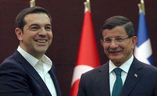 Le Premier ministre grec Alexis Tsipras et son homologue turc Ahmet Davutoglu à Ankara (Turquie), le 18 novembre 2015.