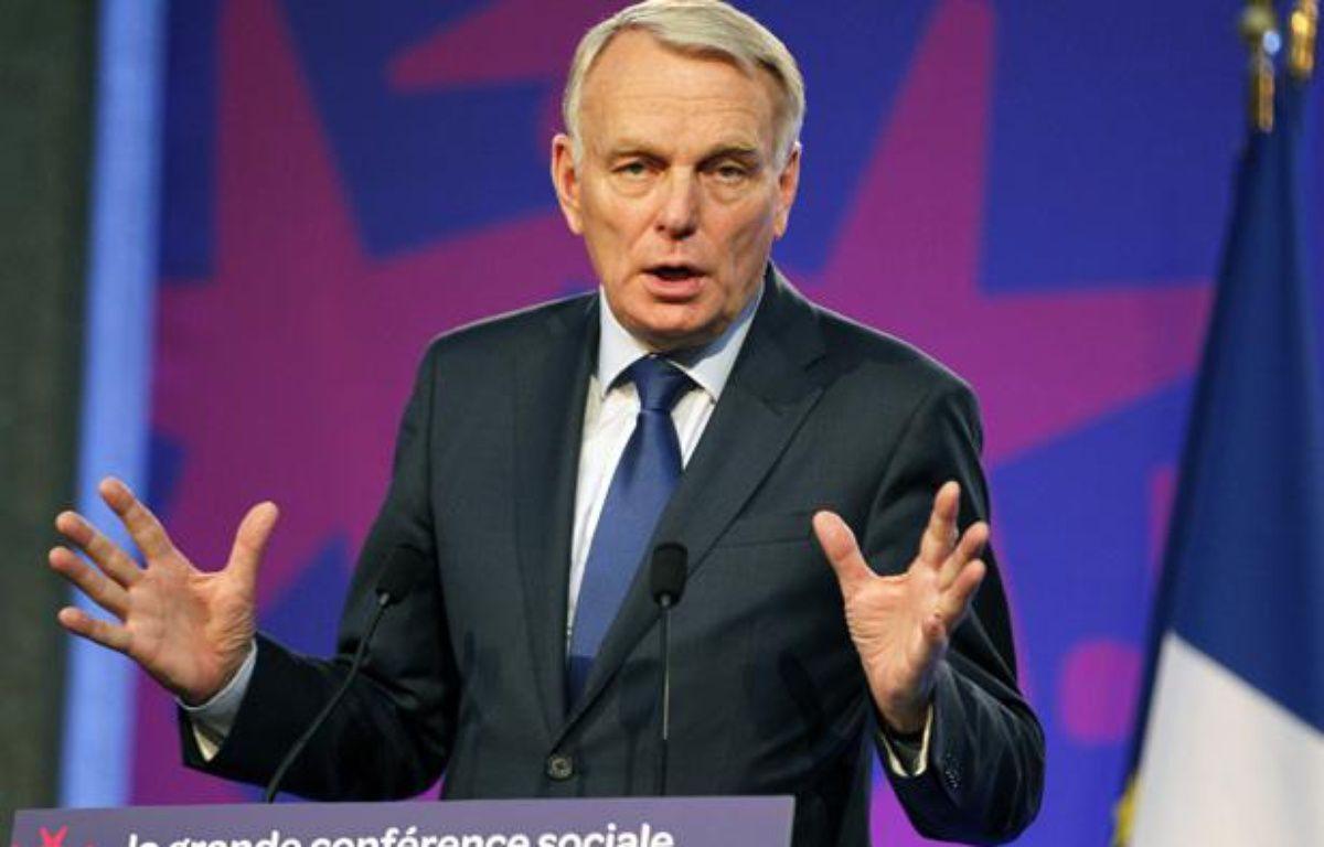 Jean-Marc Ayrault dévoile la feuille de route sociale du quinquennat le 10 juillet 2012 à l'issue de la grande conférence sociale. – CHARLES PLATIAU / POOL / AFP