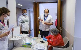 Le personnel soignant d'un Ehpad durant le confinement, le 20 avril 2020 (illustration).