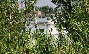 La justice pakistanaise a condamné lundi les trois veuves saoudiennes et yéménite d'Oussama Ben Laden à 45 jours de prison pour séjour illégal puis à être expulsées dans leurs pays avec leurs enfants, onze mois après le raid américain fatal au chef d'Al-Qaïda dans le nord