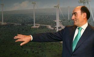 Le groupe énergétique espagnol Iberdrola a annoncé lundi la vente de ses parcs éoliens terrestres en France pour un montant de 350 millions d'euros, plus un paiement conditionnel de 50 millions d'euros.