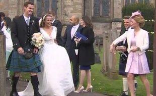 Andy Murray s'est marié, en kilt, avec sa compagne Kim Sears en la cathédrale de Dunblane, le 11 avril 2015.
