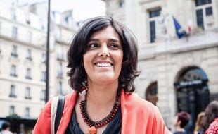 Myriam El Khomri, photographiée le mardi 13 juin, dans la 18e circonscription de Paris.