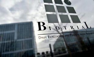 """Le laboratoire de recherche Biotrial, dont le dernier essai sur un nouveau médicament a tourné au drame, provoquant la mort d'un homme, annonce qu'il envisage de proposer """"des évolutions des standards encadrant ces essais"""""""