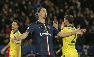 Zlatan Ibrahimovic lors du match entre Chelsea et le PSG le 17 février 2015.