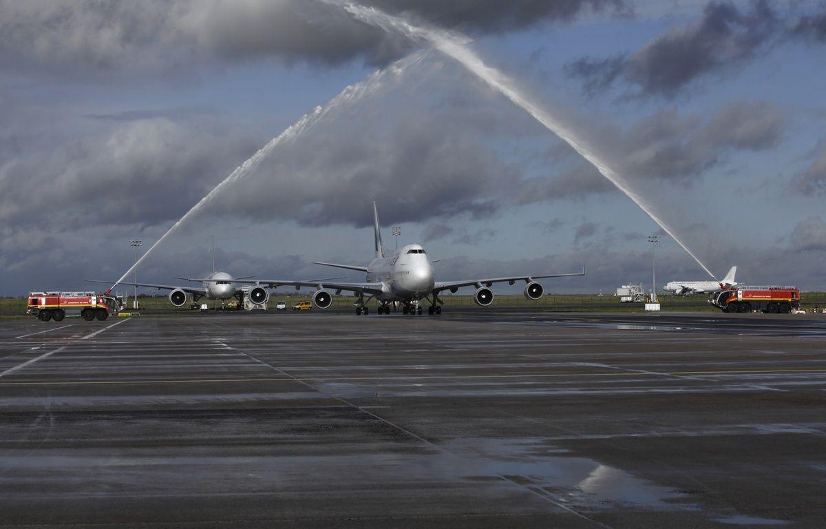 Le dernier vol du boeing 747 le 14/01/2015 à son arrivée.  – air france
