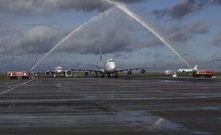 Le dernier vol du boeing 747 le 14/01/2015 à son arrivée.