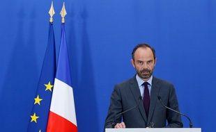 Edouard Philippe, le Premier ministre, réagit au rapport de la Cour des comptes sur le déficit public.