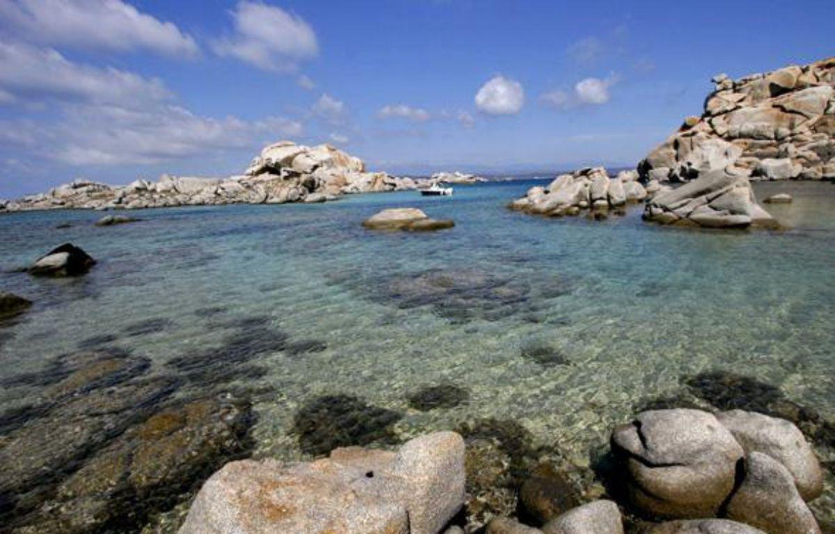 Les îles Lavezzi, au large de la Corse, sont une des réserves naturelles de Méditerranée. – BELZIT JEAN-PIERRE/SIPA