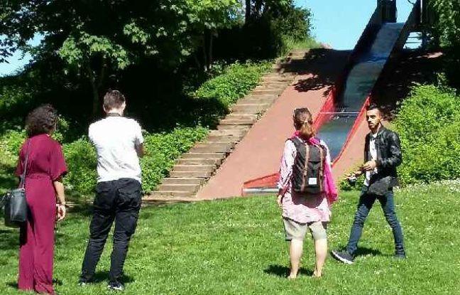 Sur le tournage du documentaire sur le quartier de Cronenbourg.