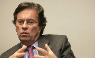 """Claude Evin, ancien ministre de la Santé, lors du point presse sur l'affaire des irradiés du CHU de Rangueil et du procès de l'association """"SOS Irradiés 31"""" à Toulouse, le 31 janvier 2008."""