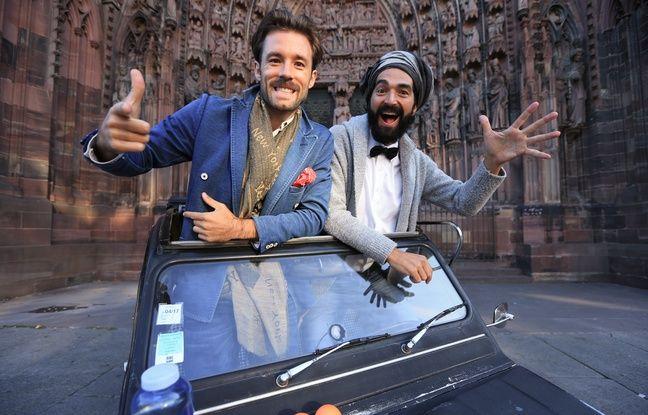 Strasbourg le 9 septembre 2015-Muammer Yilmaz (avec un foulard sur la tête) et Milan Bihlmann partent faire le tour de la France sans argent et en 2 CV