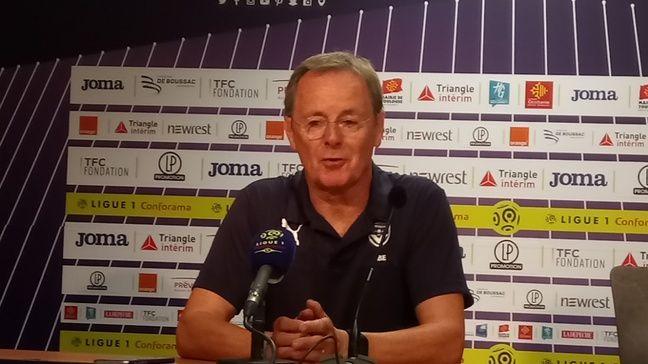 Eric Bedouet, l'entraîneur par intérim des Girondins de Bordeaux, après la défaite à Toulouse.