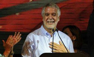 Le candidat Enrique Penalosa, économiste de centre-droit, a ravi le 25 octobre 2015 la mairie de Bogota à la gauche