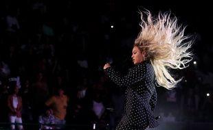 La chanteuse Beyoncé lors d'un concert de soutien à Hillary Clinton à Cleveland, dans l'Ohio, le 4 novembre 2016.