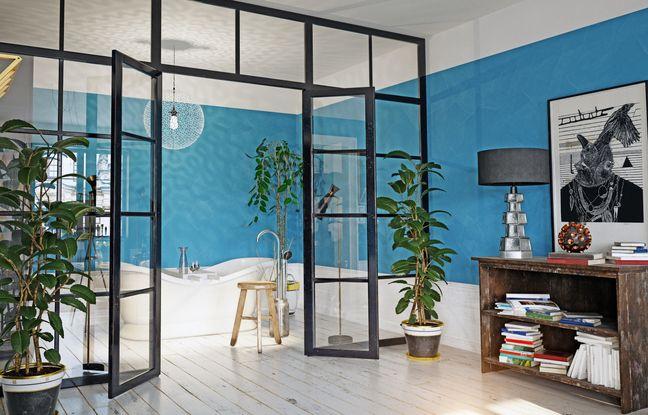De la légèreté du verre au bois élégant en passant le béton cellulaire, la cloison délimite vos espaces de vie selon vos besoins.