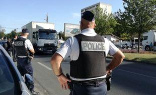 Le 17 septembre 2019. Des policiers  de Vénissieux, près de Lyon, réalisent des contrôles routiers.