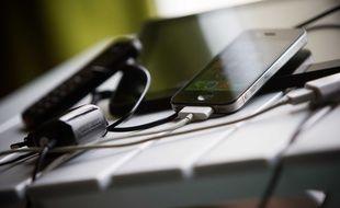 Tablette et téléphone portable. Illustration.