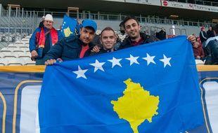Des supporters kosovares, lors du match Kosovo-Ukraine, le 09 octobre 2016
