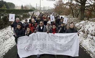 Lors de la marche silencieuse en hommage à Patricia Bouchon, la joggeuse tuée il y a un an à Bouloc, le 14 février 2012.