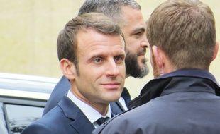 Emmanuel Macron, à son départ de la résidence préfectorale de Bordeaux, le 1er mars 2019.