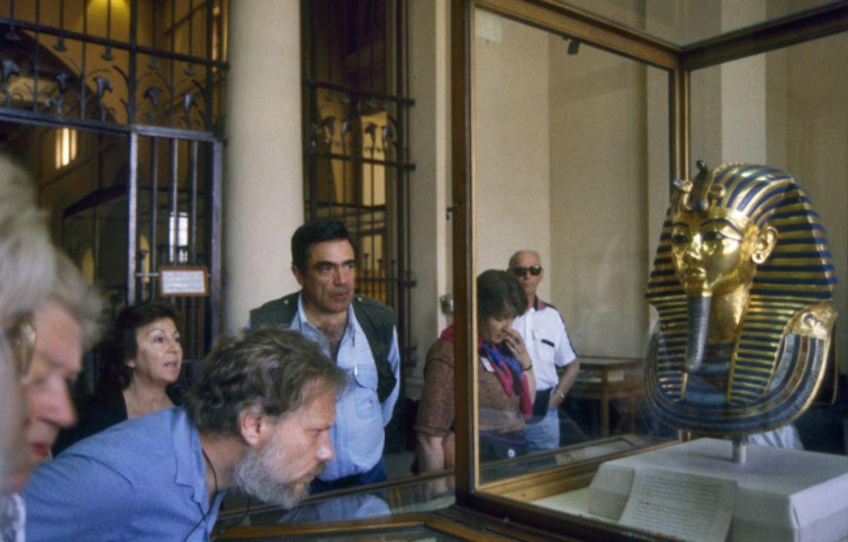 le masque funéraire de Toutankhamon est exposé au musée du Caire en Egypte – KERIBAR/SIPA