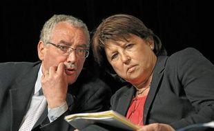 Vendredi dernier, Martine Aubry a réitéré son soutien à l'écologiste Slimane Tir (à g.) lors d'un meeting à Roubaix.