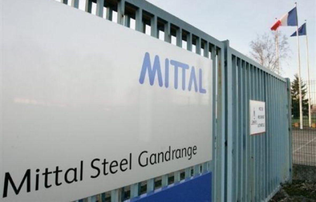 Un an après la promesse de Nicolas Sarkozy de maintenir en totalité l'activité de l'aciérie d'ArcelorMittal à Gandrange (Moselle), élus et syndicats lorrains s'estiment floués et accusent le chef de l'Etat de leur avoir menti. – Jean-Christophe Verhaegen AFP/Archives