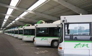 Des bus de la Tan restent bloqués au dépôt.
