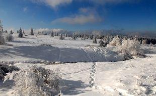 Avec des sommets déjà bien blanchis, des stations de ski des Vosges prévoient une ouverture dans les jours à venir. Illustration