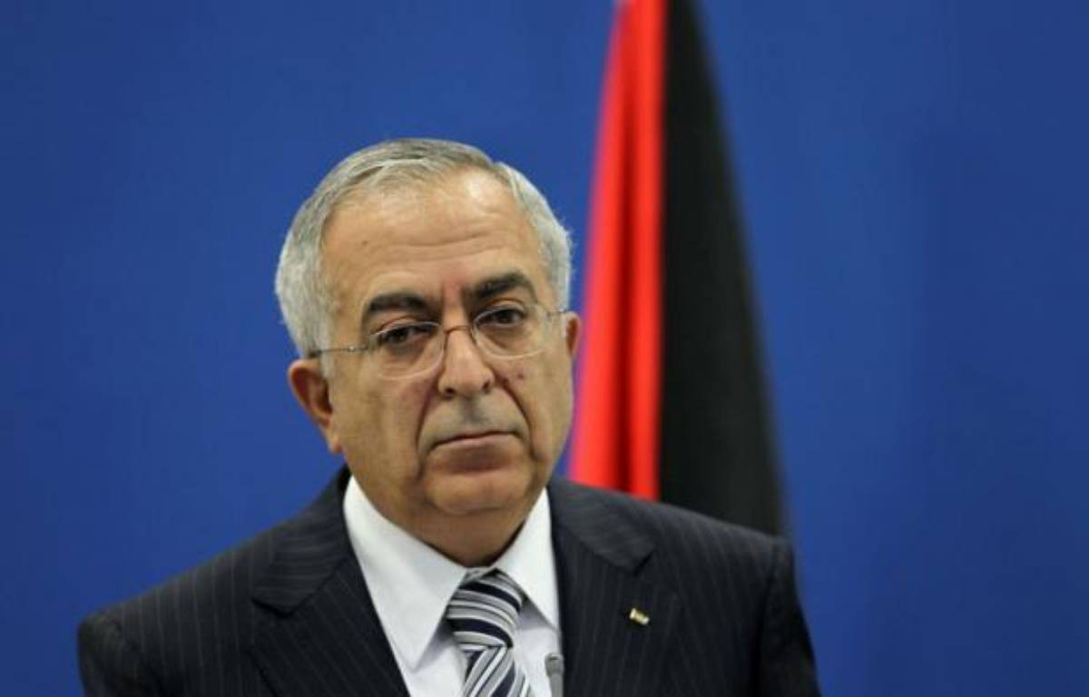 Le Premier ministre palestinien Salam Fayyad a tenté mardi d'obtenir un répit face à la grogne sociale qui agite la Cisjordanie depuis une semaine en promettant une baisse du prix de l'essence et de la TVA, jugée insuffisante par les syndicats. – Abbas Momani afp.com