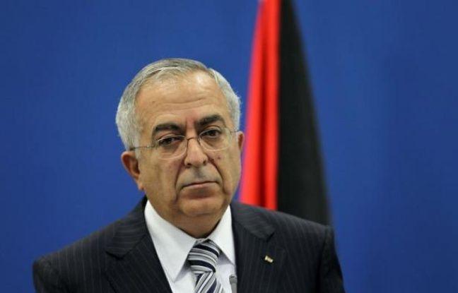 Le Premier ministre palestinien Salam Fayyad a tenté mardi d'obtenir un répit face à la grogne sociale qui agite la Cisjordanie depuis une semaine en promettant une baisse du prix de l'essence et de la TVA, jugée insuffisante par les syndicats.