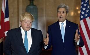 Boris Johnson et John Kerry lors d'un point presse sur les possibles sanctions envers les régimes syrien et russe