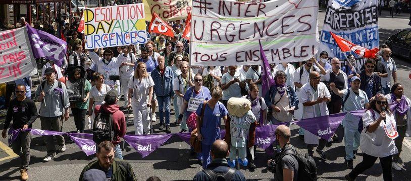 Manifestation le 6 juin des paramédicaux en grève depuis des semaines le 6 juin 2019 à Paris.