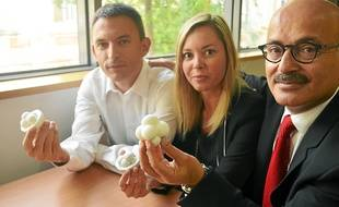 Les docteurs Samuel Mérigeaud (Tridilogy) et Elodie Scalici, ainsi que  le professeur Samir Hamamah ont créé la technique (de gauche à droite).